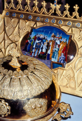 Ensemble reliquaire avec châsse et émail du baptême de saint Léonard
