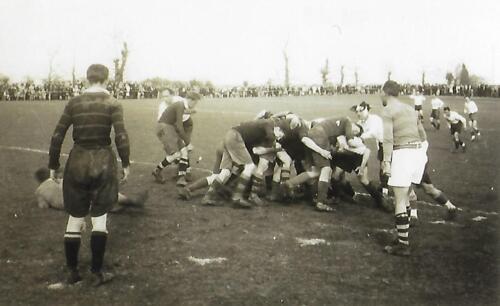 Match de rugby - La Belle - (1947-48) - Une mêlée