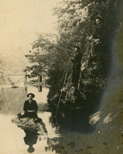 Paul Colas et Charles Maurisset sur la Maulde (Saint-Léonard)