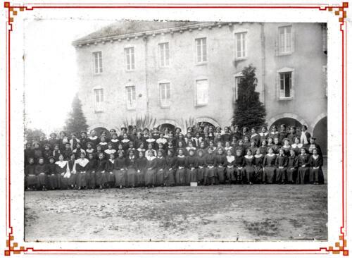 École supérieure de filles - Groupe élèves (circa 1900)