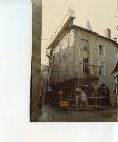 Rue des Étages - Maison en restauration