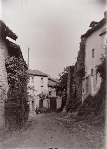 Une rue du faubourg