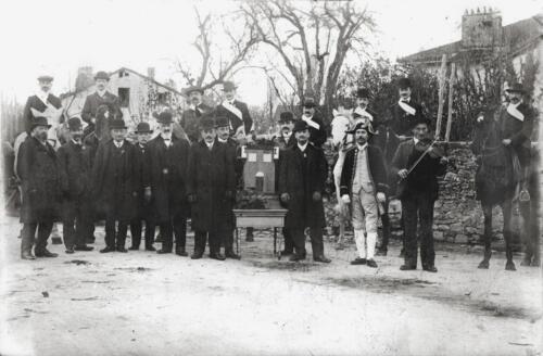 La confrérie saint Léonard et les cavaliers pour la Quintaine (1911)