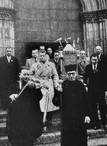La confrérie saint Léonard (circa 1950) pour la Quintaine