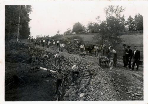 Construction d'une route (circa 1930)