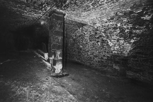 Cave - Pl République (09.1996)