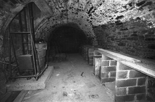 Cave épicerie Debernard - Pl République (09.1996)