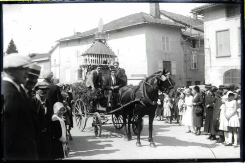 Fête du Commerce - Char colombier
