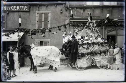 Fête du Commerce 1930 - Char de la maison Petitjean