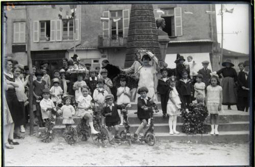 Fête du Commerce - Enfants place Gay-Lussac (1927)
