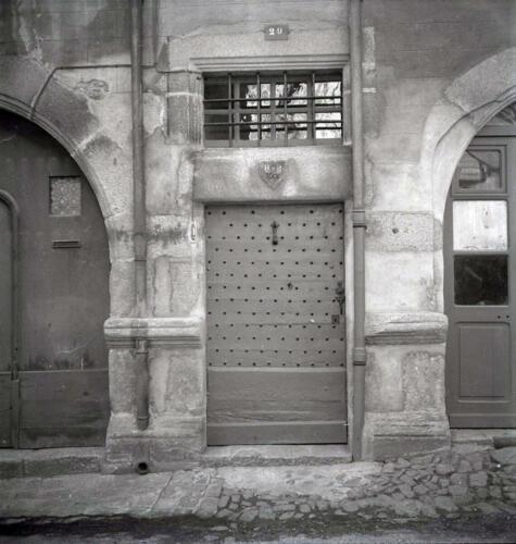 Porte armoriée (1605)