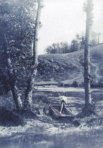 Moulin de Bourdeix - Homme en barque