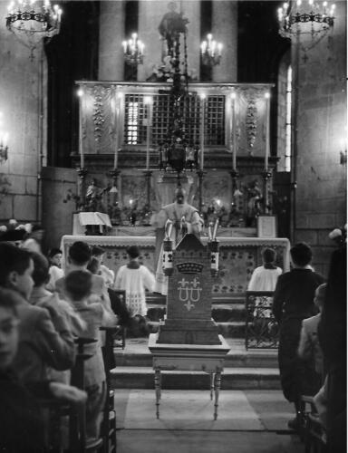 La Quintaine devant l'autel de la Collégiale (1951)