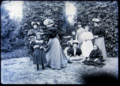Famille du Chalard - Jeu colin-maillard