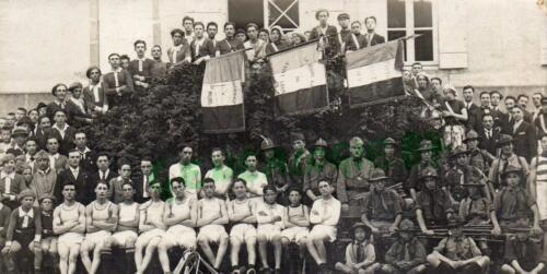 Groupe de jeunes gens (1921)