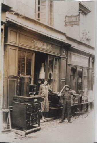 Quincaillerie - Mécanicien Roudeau - Rue de la Révolution