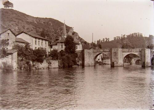 Pont de Noblat et Montagne de Clovis