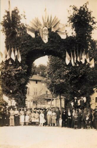 Arc de Triomphe avenue de la gare (août 1913)