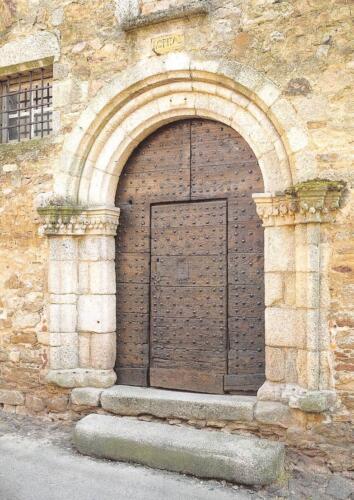 Porte de l'hôpital des pèlerins XIIIe siècle